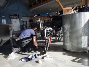 Pino Montage am Flughafen Tromsö