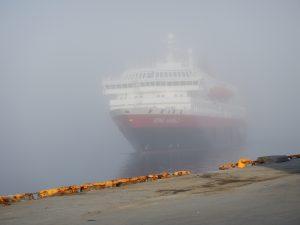 Kong Harald im Nebel